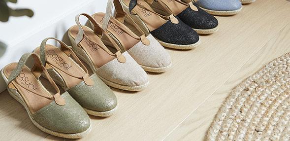 CASUAL ATTITUDE Chaussures, Sacs, Vetements Livraison